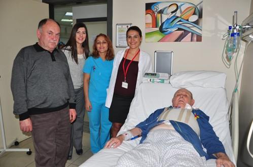 Ameliyat Oldu, 1 Gün Sonra 83 Yaşına Girdi